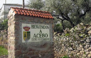 Acebo pueblo de la sierra de gata c ceres extremadura for Piscina natural de acebo